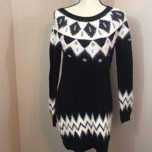 Takara medium long sleeve sweater knit dress med